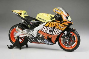 Honda RC211V 2003 Valencia Finished Model 1/12